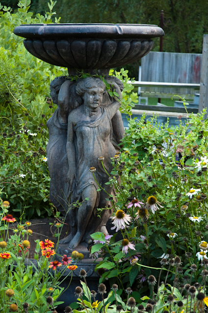 Statuary, Surreybrooke Gardens, Middletown, Maryland, August 25,
