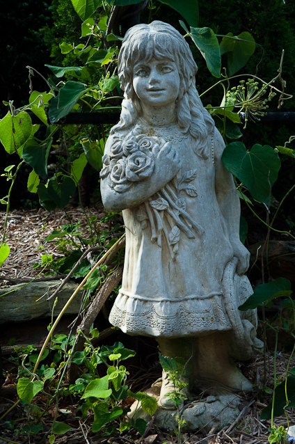 Garden Girl, Statuary, Surreybrooke Gardens, Middeltown, Marylan