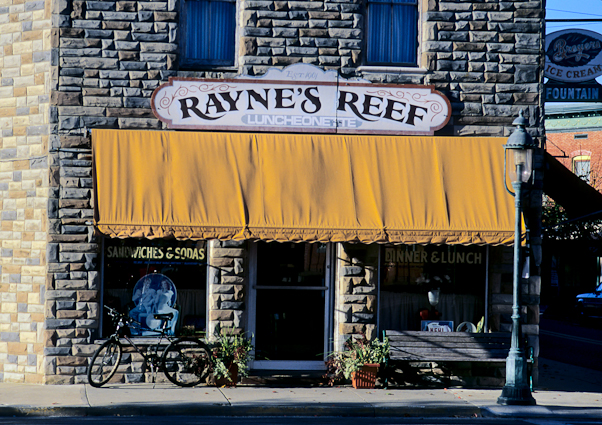 Rayne's Reef Restaurant, Berlin, Maryland, November 4, 1999